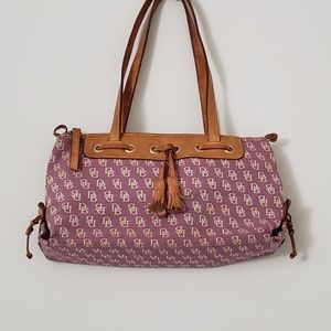 Dooney & Bourke- shoulder purse